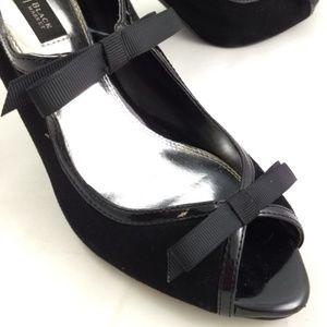 White House Black Market 7.5 Heels Black Suede